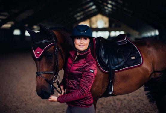Light Weight Jacket Bordeaux från Equestrian Stockholm