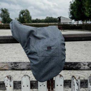 Sadelöverdrag i dressyrmodell från Kentucky Horsewear